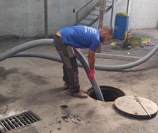 שאיבת מים מחניון תת קרקעי